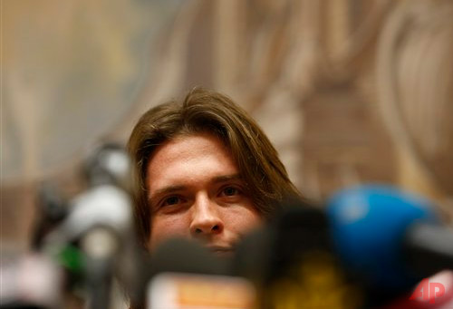 Raffaele Sollecito speaks during a press conference in Rome, Tuesday, July 1, 2014. Amanda Knox's ex-boyfriend says the American student provided alibis for him he hopes will persuade Italy's top criminal court to overturn his conviction for the 2007 murder of her British roommate. Sollecito told reporters in Rome Tuesday the Florence appeals court that convicted both of them in January, in explaining its verdict, cited a memo Knox wrote saying he wasn't involved in Meredith Kercher's murder. The 30-year-old Italian also cited a Knox text message he contended would bolster his claim of innocence. (AP Photo/Riccardo De Luca)